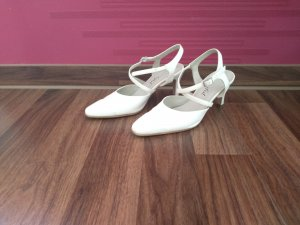 Strapped pumps oatmeal leather