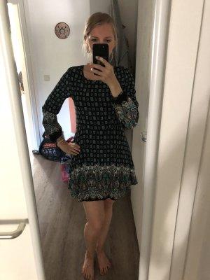 Brave Soul Kleid Kauf dich glücklich Gr. XS/S Ethno Paisley