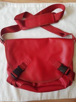 BREE Tasche aus roter LKW Plane