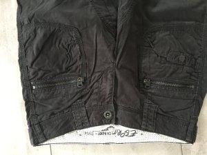 Breite Stoffhose schwarz von Esprit mit vielen Taschen