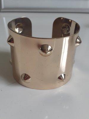 Breiter goldener Armreif / Armband / Armspange mit Nieten