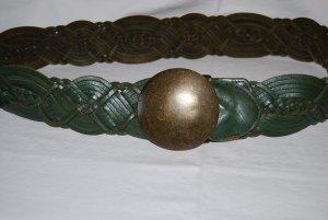 breiter Gürtel von Esprit mit Messingschnalle in grün 85´er Länge