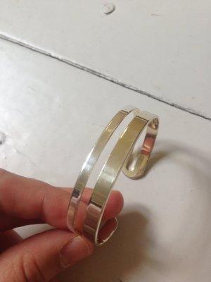 Breites Armband in Gold und Silber