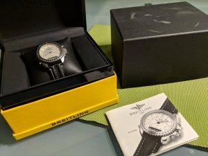Breitling Montre avec bracelet en cuir noir-argenté