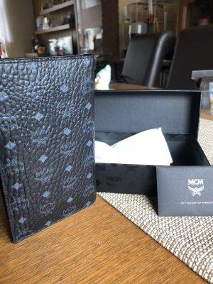 Brieftasche in schwarz von MCM