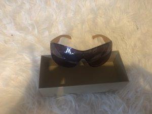 Glasses bronze-colored