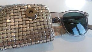 Brillenetui mit Metalldekor