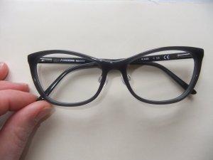 Brillenfassung mit Stegen