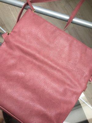 Brombeer/ Magenta farbene Tasche