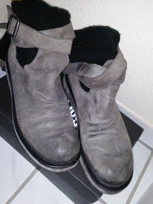 Bronx Stiefel mit Stulpe in taupe schwarz
