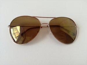 bronzefarbende Sonnenbrille
