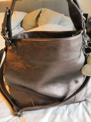 Bronzefarbene Tasche