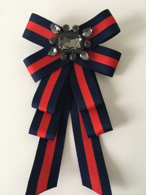 Brooch red-dark blue