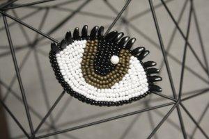 Brosche Auge mit Wimpern