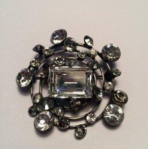 Brosche Hera in weiß mit Swarovski Kristallen