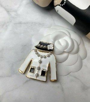 Brosche weiß gold schwarz Anstecker neu Jacke Camelia