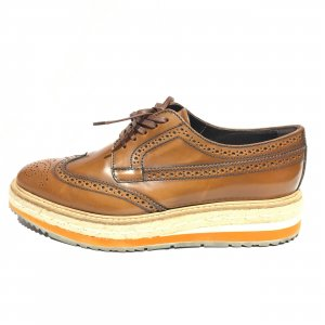 Prada Chaussure de travail brun rouge