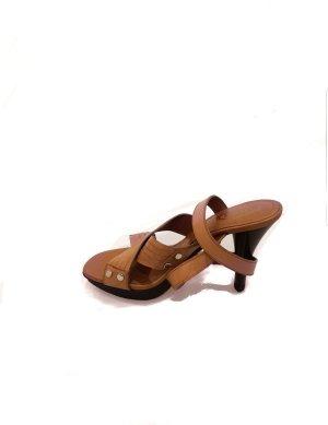 Brown  Tod's High Heel