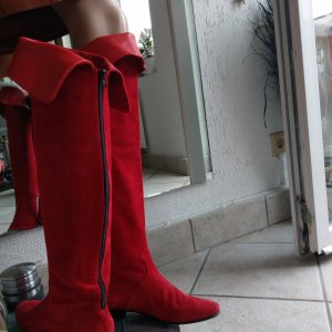 0039 Italy Jackboots red leather