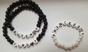 Buchstaben Armbänder