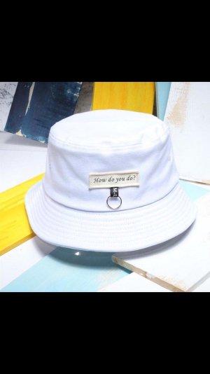 Gorra de plato blanco