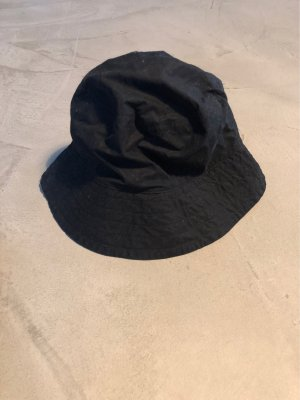COS Bucket Hat black