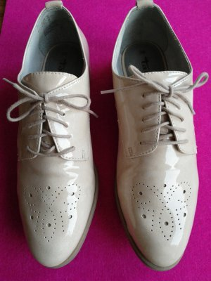 Tamaris Wingtip Shoes cream-oatmeal