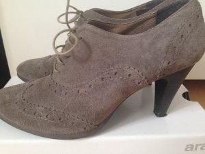 Budapester Muster! Echtleder! graue angesagte Schnürschuhe in Größe 40, Marke EYE