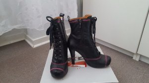 Buffalo ankle boots, in black color, size 37, used.