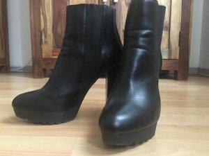 Buffalo Ankle Boots in schwarz