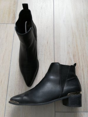 BUFFALO Ankleboots im Acnè-Stil, Echtleder, Gr. 39