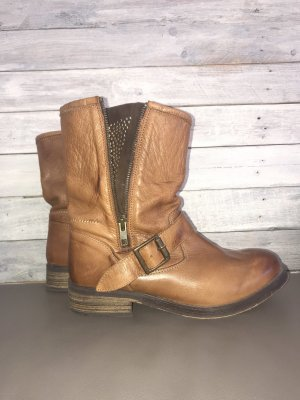 Buffalo Boots
