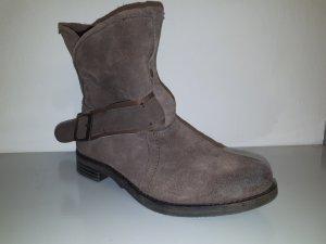 Buffalo Boots braun Wildleder