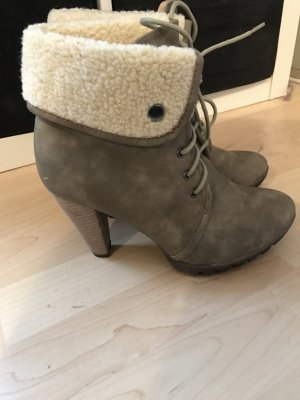 Buffalo Boots in Khaki grau