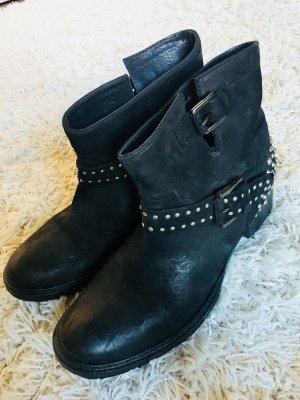 Buffalo Boots mit Nieten Schwarz