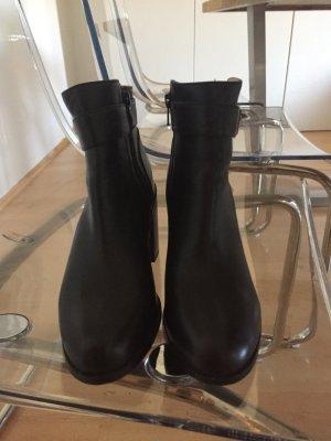 Buffalo Boots schwarz mit goldener Schnalle