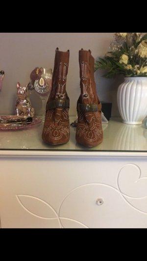 Buffalo Cowboy heels