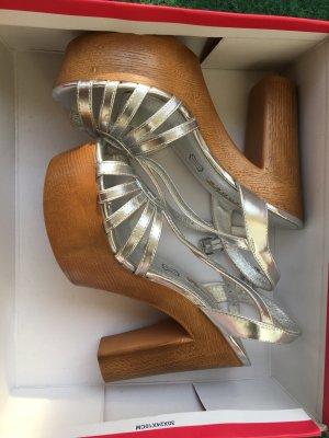 Buffalo Platform High-Heeled Sandal silver-colored