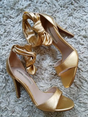 Buffalo Gold Pumps 37