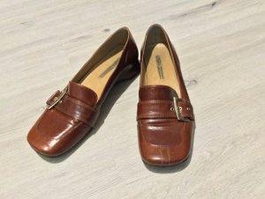 Buffalo Zapatos sin cordones marrón Cuero