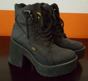 Buffalo Platform Booties black leather