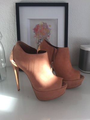 Buffalo high heel in hellem Leder mit Rose Gold Chrom Absatz