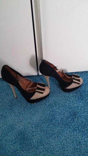 Buffalo High Heels !