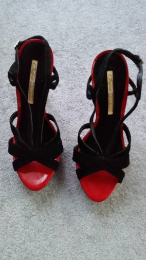 Buffalo Strapped High-Heeled Sandals black-red suede