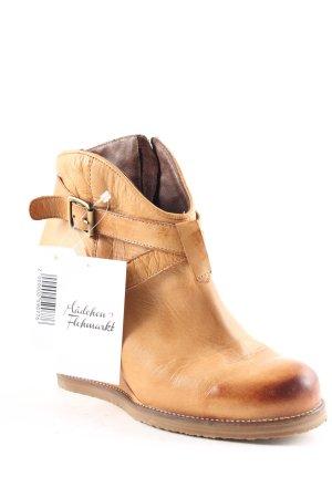Buffalo Keil-Stiefeletten hellbraun Street-Fashion-Look