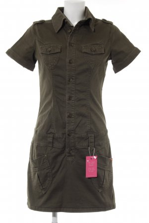 Buffalo London Vestido de camuflaje caqui look casual