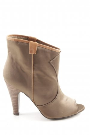 Buffalo London High-Front Pumps brown party style
