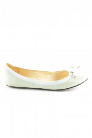Buffalo London Patent Leather Ballerinas sage green casual look