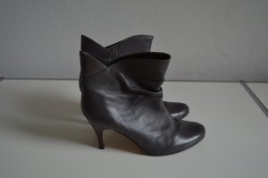 Buffalo London Leder High Heels Pumps grau Gr. 40 Stiefelette, wNEU