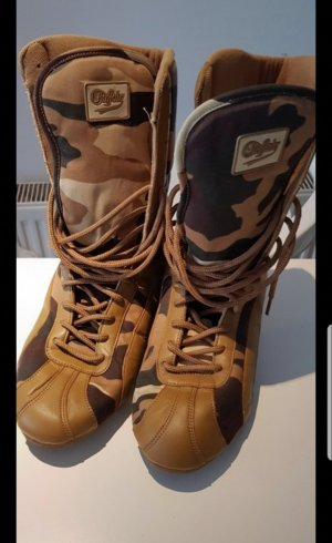 Buffalo Boots cream